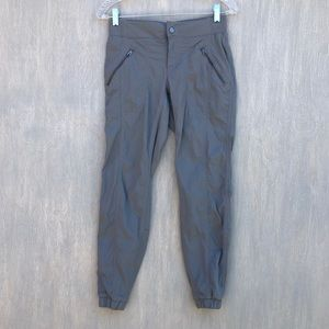 Athleta Trekkie capri crop jogger pants 0 grey